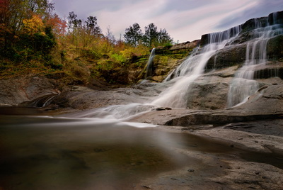 водопад в Елена